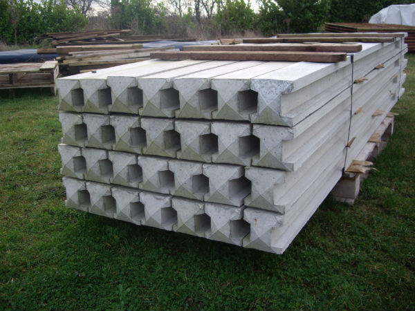 8 X 4 X 3 Forest Lightweight Concrete Fence Post 2360mm X 106mm X 84mm Concrete Fence Posts Concrete Fence Fence